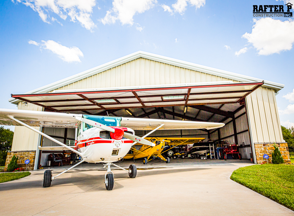 PIPER PLACE HANGAR